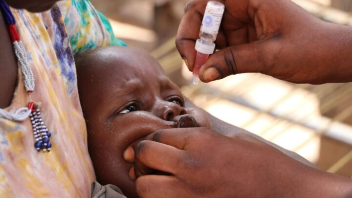 Ώστε «οι εμβολιασμένοι μεταδίδουν» ε;